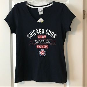 Chicago Cubs VNeck T-Shirt. NWT